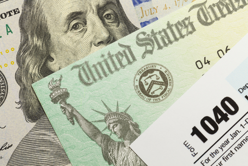 8 Good Things to do with Your Tax Refund thumbnail
