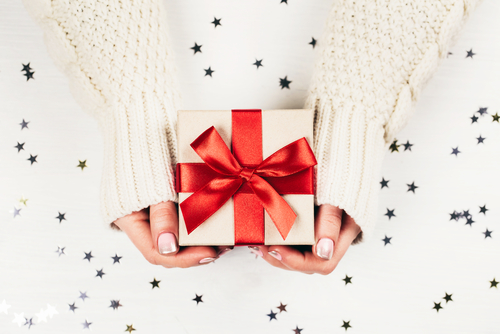 5 Ways to Save on Holiday Gifting